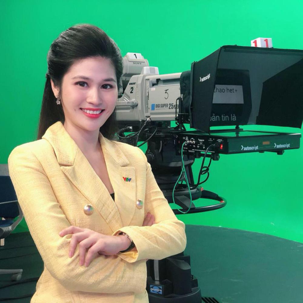 Áp lực muôn hình vạn trạng của những BTV, phóng viên truyền hình | VTV.VN