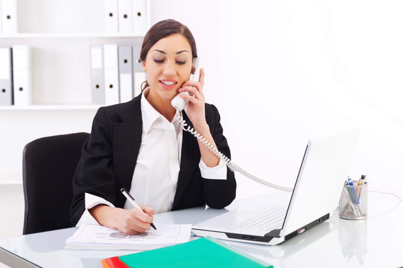 5 kỹ năng cần thiết của nhân viên chăm sóc khách hàng là gì?